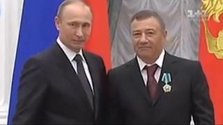 Як друзі Путіна за гроші українців підтримують вогонь на Донбасі