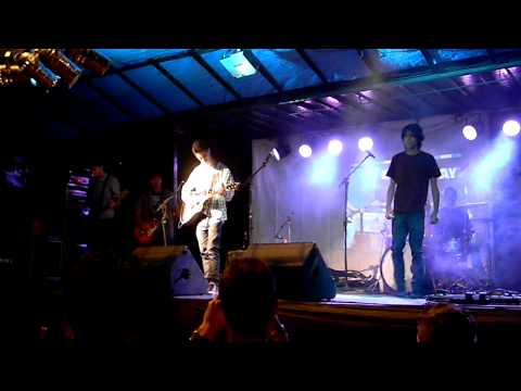 Banda Red Months - So far away ( X Tributo ao Rock - Itaguara )