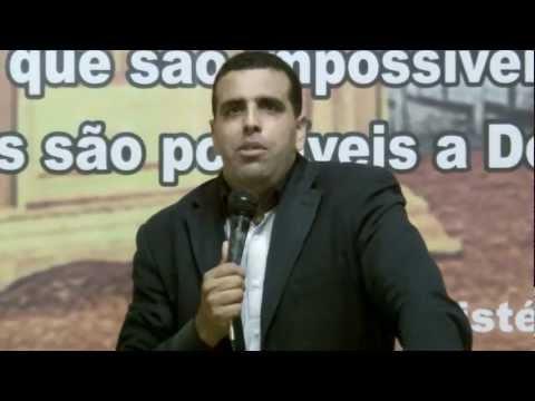 Pr Marcos Queiroz  Pregando Vigilia Tenda dos Milagres Tema: Uma Nova Historia