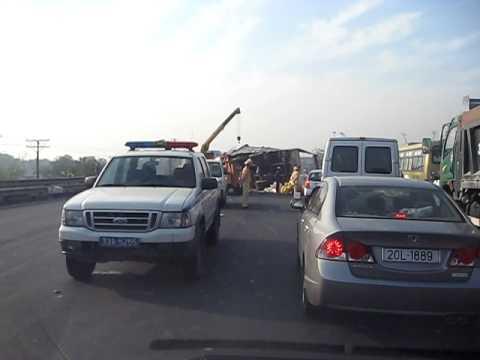Tai nạn xe 43K 8116 ngày 26/2/2010 tại Cầu Giẽ, Ninh bình