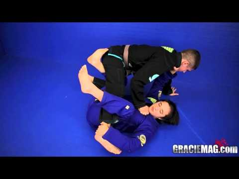 Tammi Musumeci teaches how to berimbolo to the back