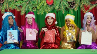 THE SUPER POPS COLOR SWITCH UP CHRISTMAS GIFT EXCHANGE MYSTERY CHALENGE. Totally TV Originals