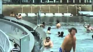 Fantástico - Piscina que fica na beira de um abismo encanta turistas em Cingapura