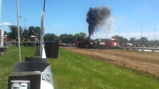 Tractor pull edgerton