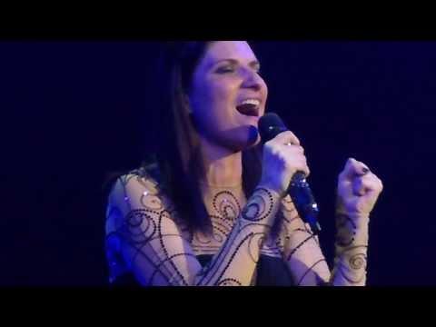 Laura Pausini - She (Uguale a lei) - LIVE PARIS 2014