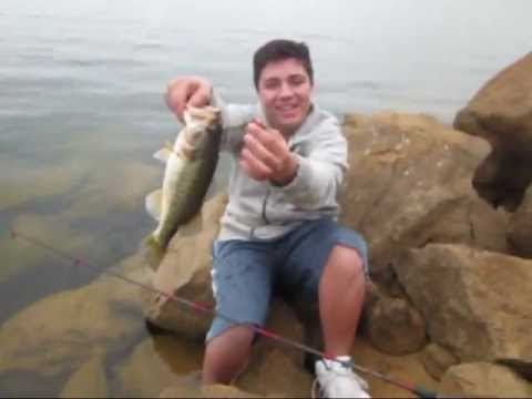 Castaic lake bass fishing nice day youtube for Castaic fishing report