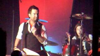 Not Dane Cook + Band Intros + Who farted Banter - David Cook - Morongo