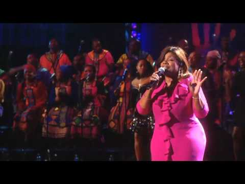 Gloria Gaynor performs