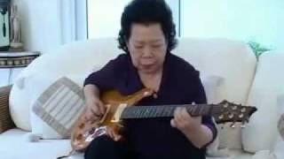 Increible Vieja Tocando Blues BB QUEEN guitarra electrica