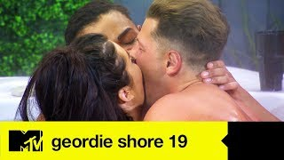 EP #7 SPOILER: Nathan, Tahlia & Alex's Naughty Hot Tub Antics | Geordie Shore 19