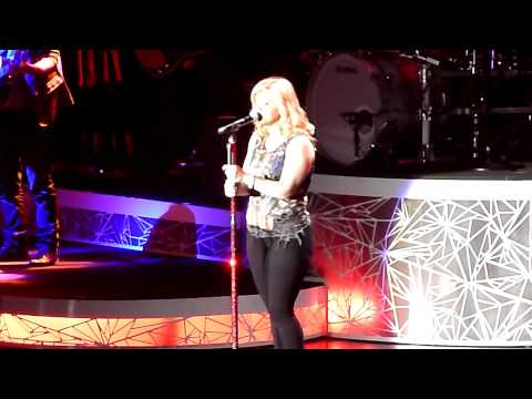 Kelly Clarkson - Wonderwall (Oasis Cover)- 12th Oct 2012 Manchester Arena Stronger Tour HD