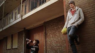 تعلم تمرير الكرة بطريقة لاعبين #كرة_قدم الشارع | amdiTV