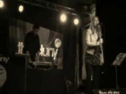 Sophie & Peter Johnston - Beyond The Dark