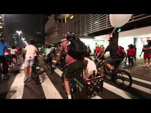 Grupo faz bicicletada para protestar contra suspensão das ciclovias em SP
