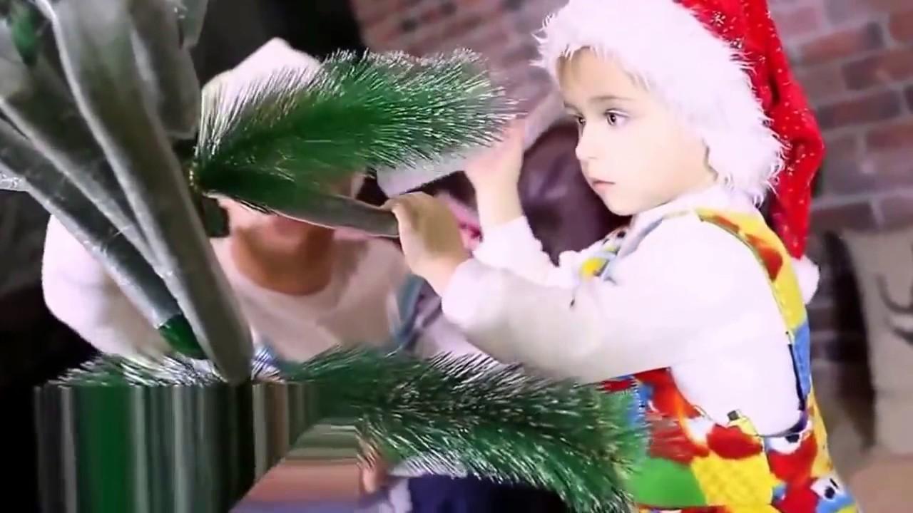 5 дек 2013. В харькове начали продавать новогодние елки. Пока только искусственные, но вскоре появятся и настоящие.