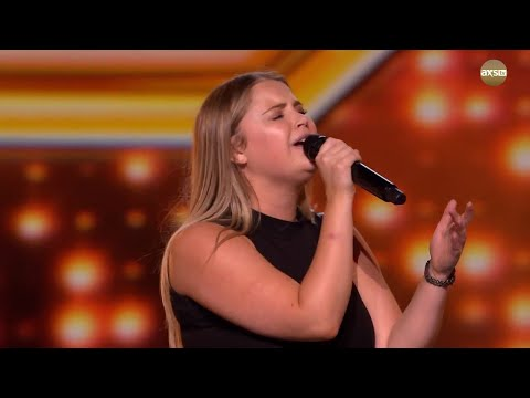 The Judges Are Loving Georgia | The X Factor UK on AXS TV Mp3