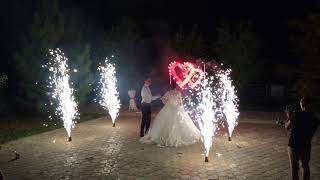 Холодные фонтаны, горящее сердце,фейерверк, на свадьбе