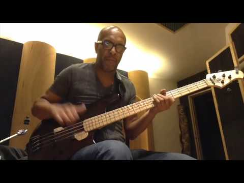 Download Youtube: Studio Bass Jam.