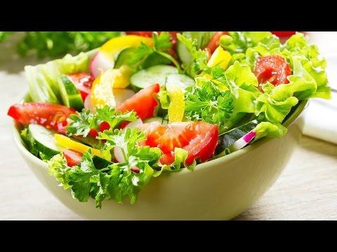 Рецепт САЛАТ С ПОМИДОРОМ И ОГУРЦОМ Рецепт простого овощного салата из помидор и огурцов.