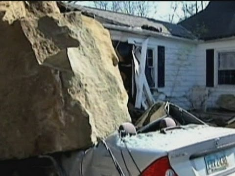 Huge boulder crushes homes and vehicles in Ohio