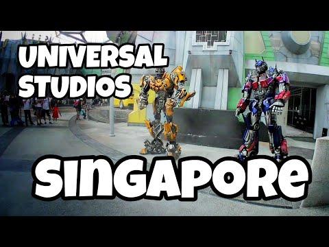 UNIVERSAL STUDIOS SINGAPORE: BUMBLEBEE AND OPTIMUS PRIME