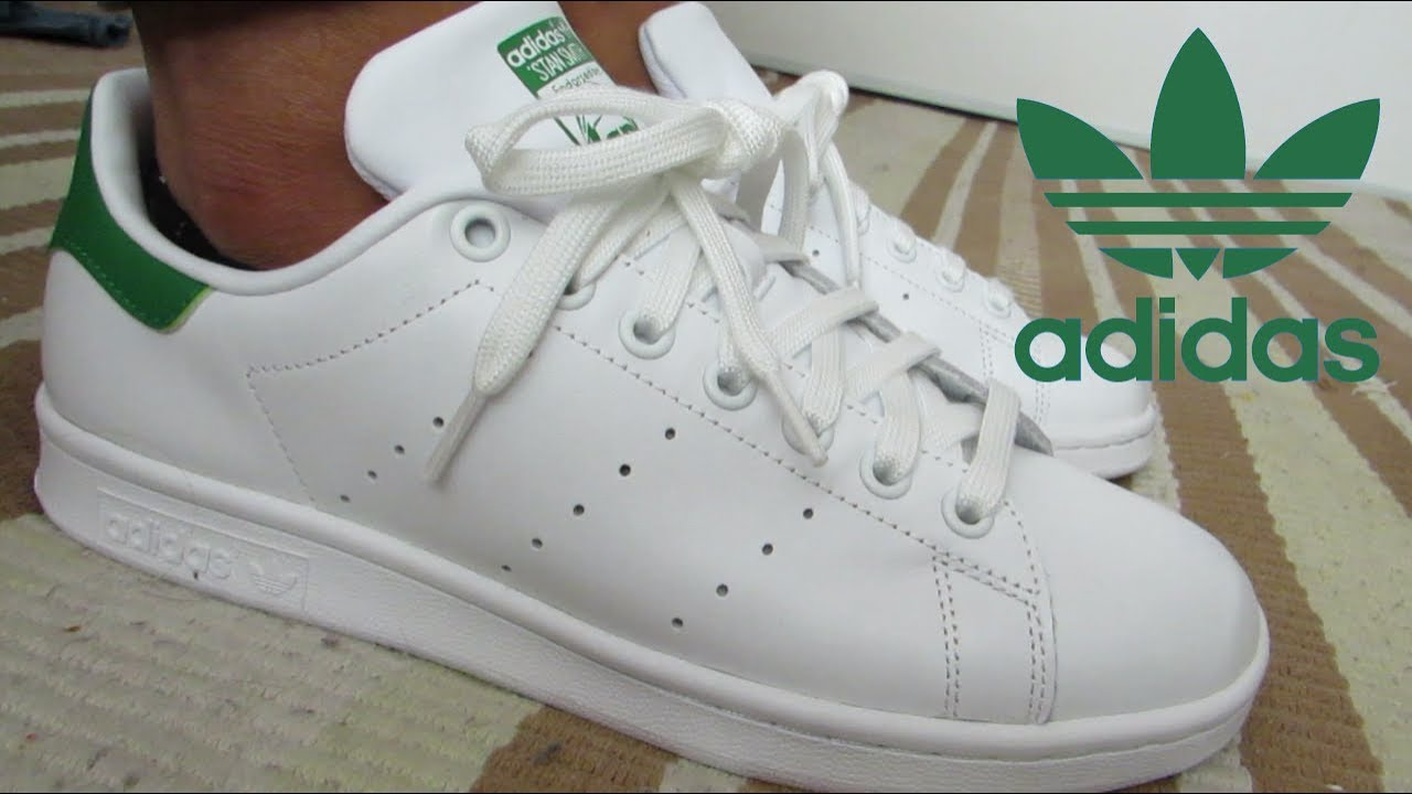 timeless design f5bea 7d03e THE CLASSIC WHITE ADIDAS STAN SMITH / ON FEET