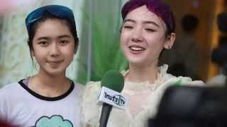 Download Video [5/5] Jannina W. & Ploy Sornarin interview with Thairath TV, Songkran Day MP3 3GP MP4