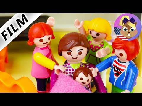Playmobil Film English | BIRTH AT KINDERGARTEN - Julian delivers baby to the world