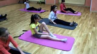 Йога для детей. Йога для детей видео(Занятия йогой для детей. видео. Упражнения йоги для детей., 2011-11-30T19:20:50.000Z)