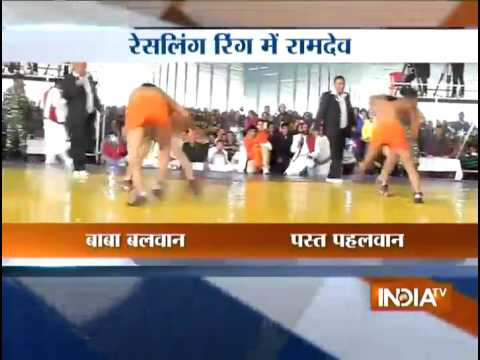 Baba Ramdev Shows Wrestling Moves with Olympian Sushil Kumar - India TV