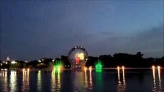 """15-тиминутное шоу фонтана """"Есиль"""" (""""Солнце"""") в г. Астана (любительская съемка)"""