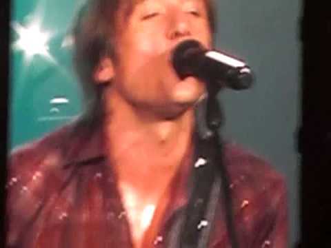 Keith Urban- Once in a Lifetime Clip Live