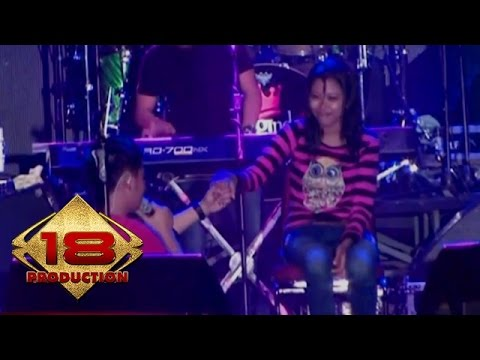 d'bagindas---tak-seindah-malam-kemarin-(live-konser-karawang-28-september-2013)