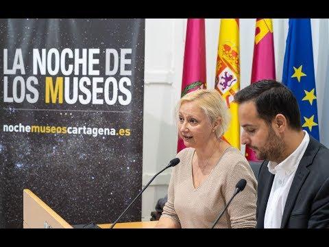 Una luna llena ilumina el cartel de la XI edición de la Noche de los Museos