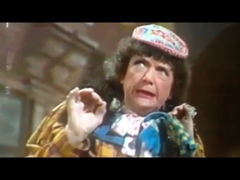 "#Hilda #Baker in ""The Good Old Days""18/3/1976"