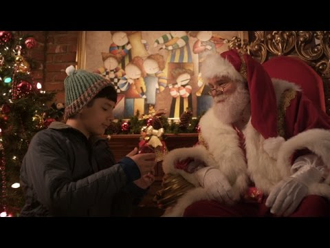 Christmas in Hollywood Trailer