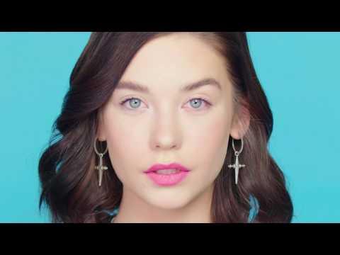 Lipstick Challenge with Amanda Steele   Beauty Bites   ELLE