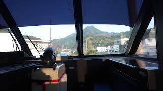 有田駅を出発して山岳区間のトンネルに突入する佐世保線上り特急みどり783系のハイパーサルーンの前面展望