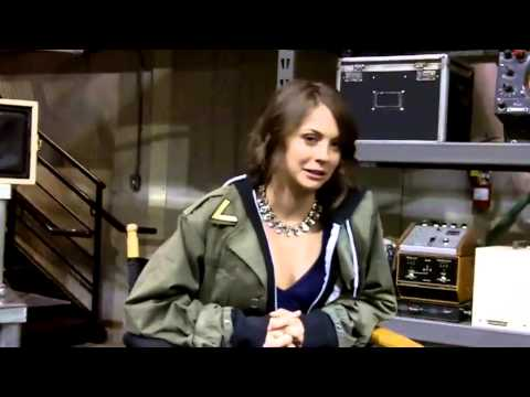 Willa Holland Previews Arrow Season 2 - YouTube