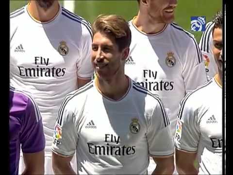 Los jugadores posaron con la nueva camiseta de la temporada 2013-14