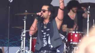 Pop Evil - Hero live @ Welcome To Rockville 2013