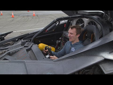 Batman v Superman: Ultimate Edition – DRIVING THE BATMOBILE!!