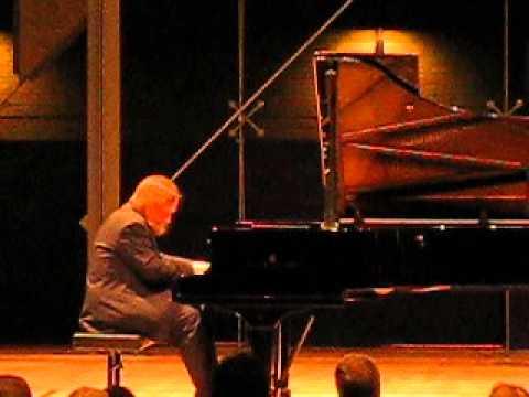 Beethoven 32 Variations in C minor, WoO 80 plus 6 variaties in F