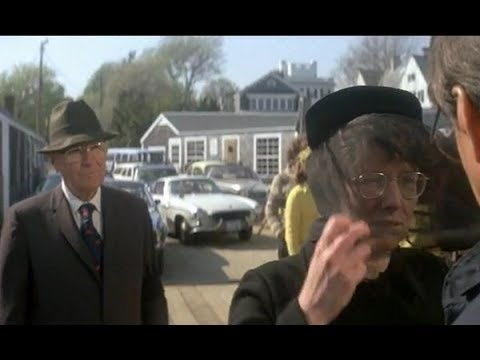 Jaws (1975): Mrs Kintner and Chief Brody
