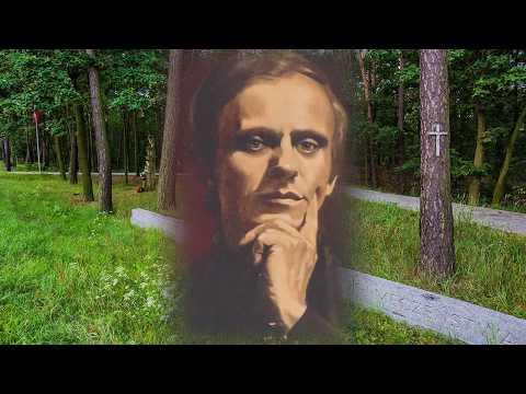 Bł. Ks. Jerzy Popiełuszko śpiewa Piosenkę - Szumią łany Zboża... ZATRZYMAJ SIĘ NA CHWILĘ ...