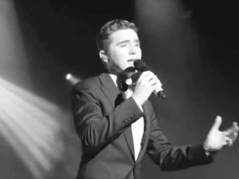 Harrison Craig : 'All of Me' (live) in Melbourne, Mother's Day concert