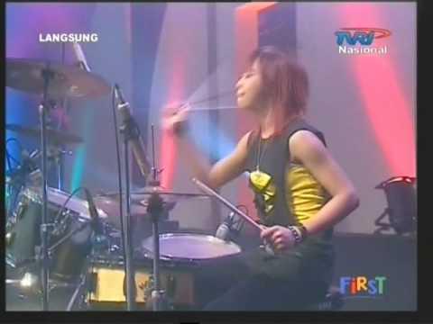 Apel 'G' live performed di Acara Ring 'n Rock (Courtesy Of TVRI)