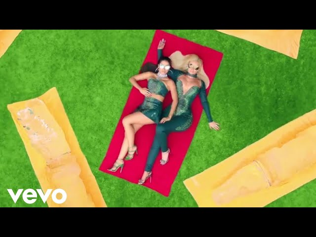 Iggy Azalea - Switch (Director's Cut) ft. Anitta
