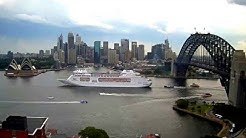 Pacific Pearl departing Sydney Harbour