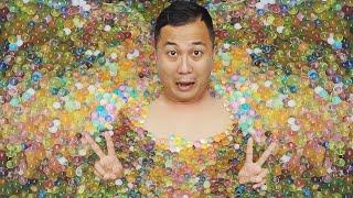 THỬ TẮM TRONG HỒ BƠI VỚI 1.000.000 VIÊN HẠT NỞ KHỔNG LỒ || Thạc Đức Vlog